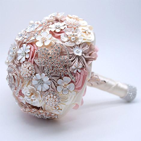 粉色系甜美珠寶捧花 送好姐妹的結婚禮物
